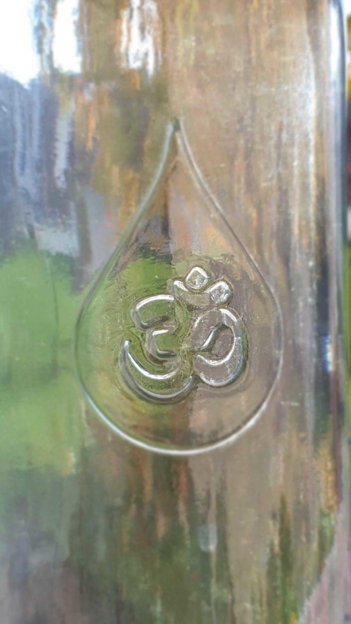 OmWater Wasserflasche 1,2 Liter mit Magnesit-Kugel 2