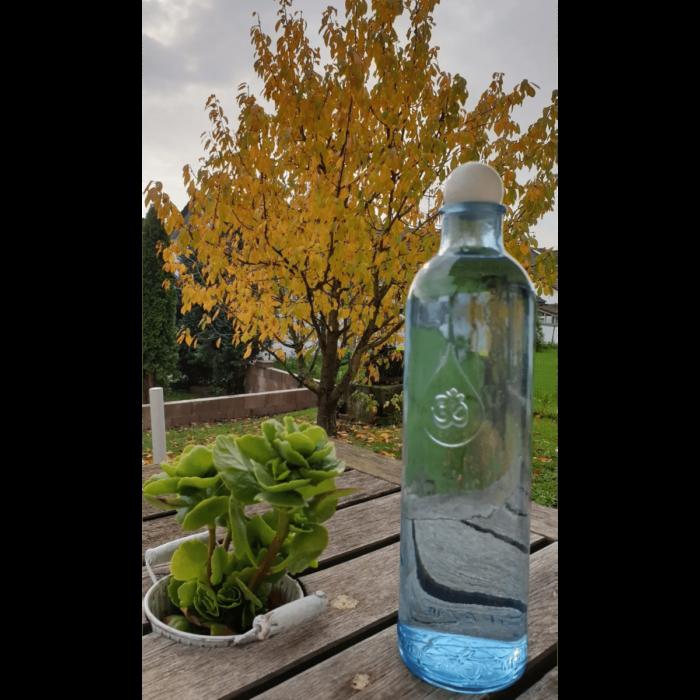 OmWater Wasserflasche 1,2 Liter mit Edelstein-Kugel 1